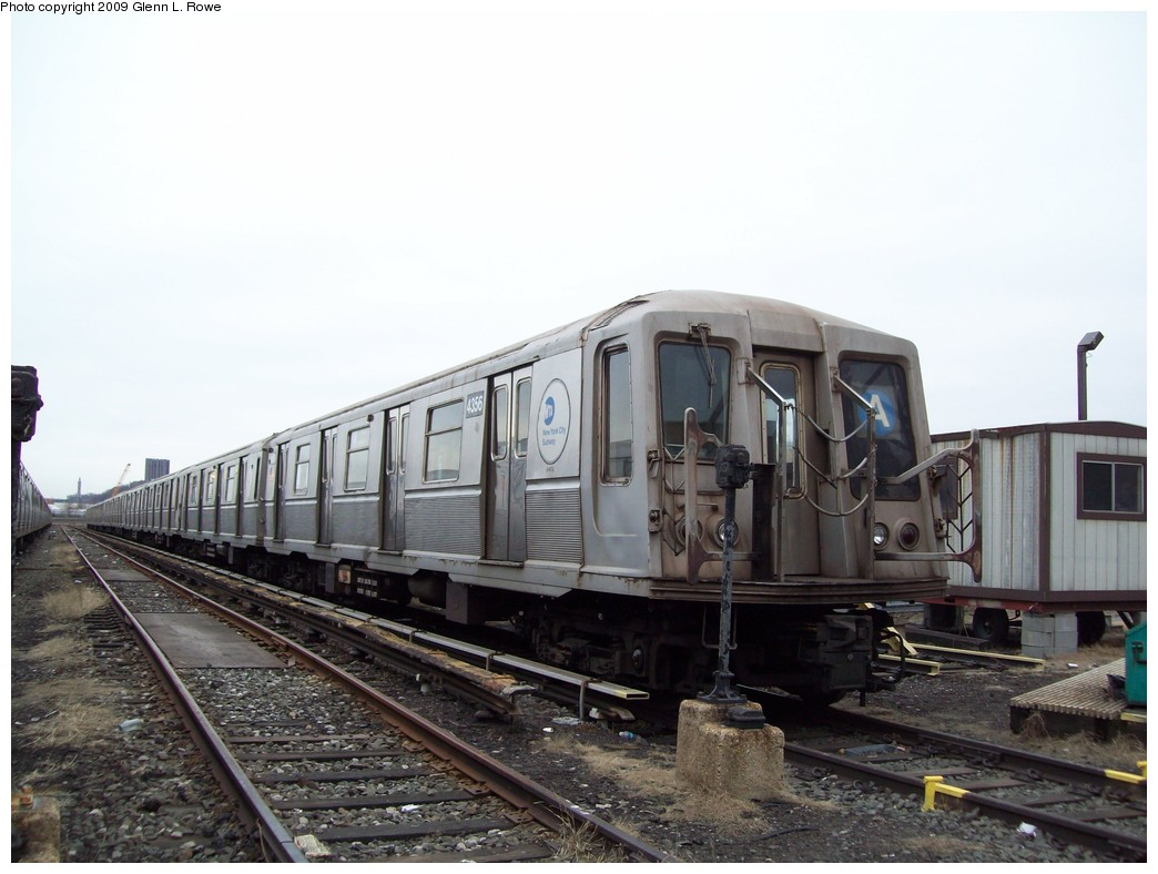 (184k, 1044x788)<br><b>Country:</b> United States<br><b>City:</b> New York<br><b>System:</b> New York City Transit<br><b>Location:</b> 207th Street Yard<br><b>Car:</b> R-40 (St. Louis, 1968)  4356 <br><b>Photo by:</b> Glenn L. Rowe<br><b>Date:</b> 3/19/2009<br><b>Viewed (this week/total):</b> 2 / 462