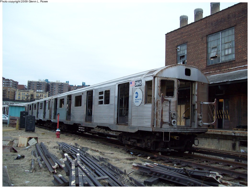 (222k, 1044x788)<br><b>Country:</b> United States<br><b>City:</b> New York<br><b>System:</b> New York City Transit<br><b>Location:</b> 207th Street Yard<br><b>Car:</b> R-32 (Budd, 1964)  3845/44 <br><b>Photo by:</b> Glenn L. Rowe<br><b>Date:</b> 3/19/2009<br><b>Notes:</b> Scrap<br><b>Viewed (this week/total):</b> 0 / 884
