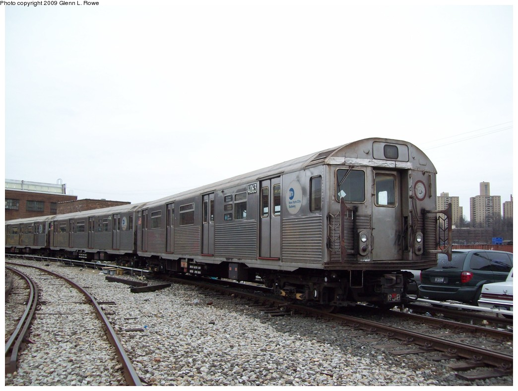 (199k, 1044x788)<br><b>Country:</b> United States<br><b>City:</b> New York<br><b>System:</b> New York City Transit<br><b>Location:</b> 207th Street Yard<br><b>Car:</b> R-38 (St. Louis, 1966-1967)  4063 <br><b>Photo by:</b> Glenn L. Rowe<br><b>Date:</b> 3/19/2009<br><b>Viewed (this week/total):</b> 0 / 547