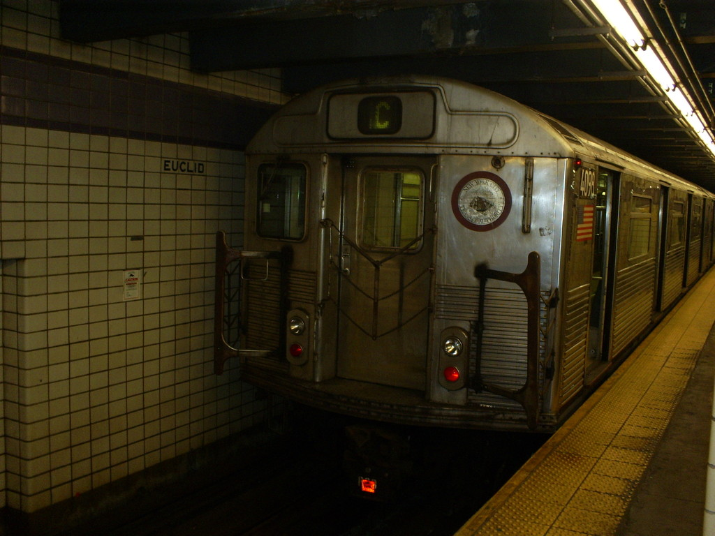 (224k, 1024x768)<br><b>Country:</b> United States<br><b>City:</b> New York<br><b>System:</b> New York City Transit<br><b>Line:</b> IND Fulton Street Line<br><b>Location:</b> Euclid Avenue <br><b>Route:</b> C<br><b>Car:</b> R-38 (St. Louis, 1966-1967)  4098 <br><b>Photo by:</b> Christopher Henderson<br><b>Date:</b> 3/13/2009<br><b>Viewed (this week/total):</b> 2 / 639