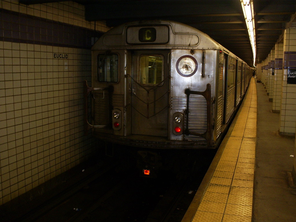 (226k, 1024x768)<br><b>Country:</b> United States<br><b>City:</b> New York<br><b>System:</b> New York City Transit<br><b>Line:</b> IND Fulton Street Line<br><b>Location:</b> Euclid Avenue <br><b>Route:</b> C<br><b>Car:</b> R-38 (St. Louis, 1966-1967)  4098 <br><b>Photo by:</b> Christopher Henderson<br><b>Date:</b> 3/18/2009<br><b>Notes:</b> Last R38s in service on their last day-- would be taken out of service on 3/19/09.<br><b>Viewed (this week/total):</b> 4 / 907