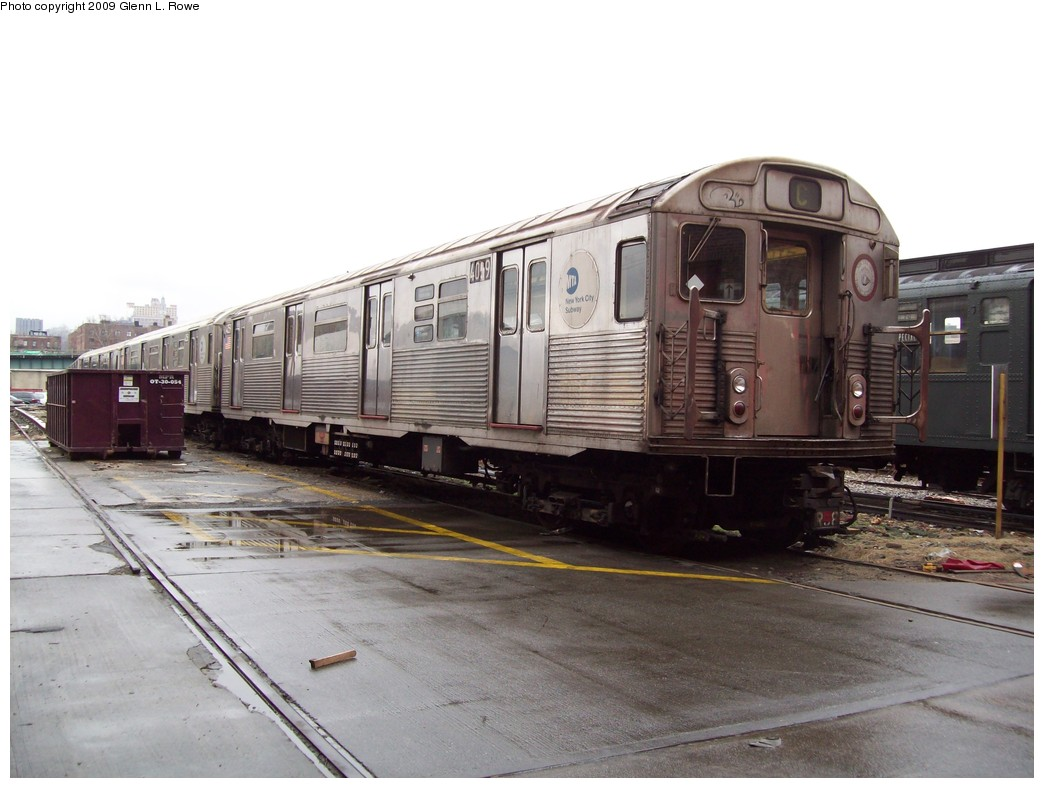 (182k, 1044x788)<br><b>Country:</b> United States<br><b>City:</b> New York<br><b>System:</b> New York City Transit<br><b>Location:</b> 207th Street Yard<br><b>Car:</b> R-38 (St. Louis, 1966-1967)  4059 <br><b>Photo by:</b> Glenn L. Rowe<br><b>Date:</b> 3/20/2009<br><b>Viewed (this week/total):</b> 0 / 750