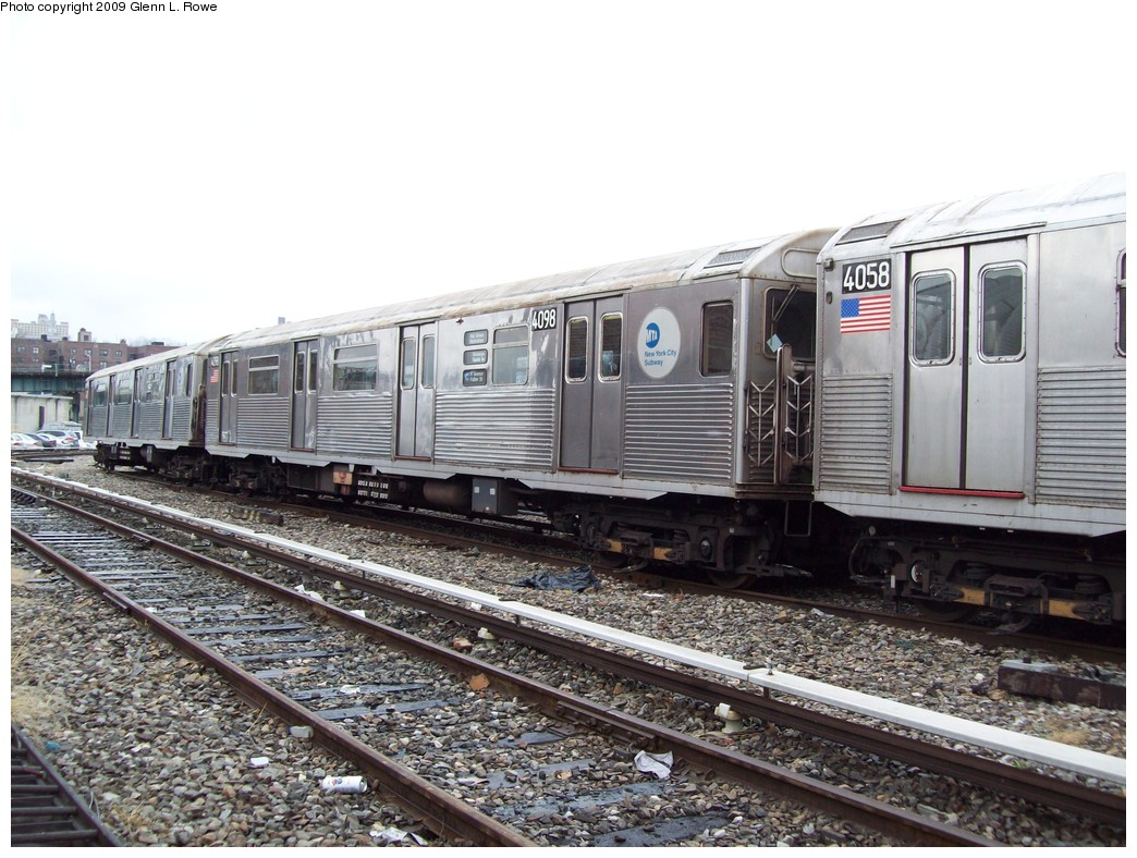 (239k, 1044x788)<br><b>Country:</b> United States<br><b>City:</b> New York<br><b>System:</b> New York City Transit<br><b>Location:</b> 207th Street Yard<br><b>Car:</b> R-38 (St. Louis, 1966-1967)  4098 <br><b>Photo by:</b> Glenn L. Rowe<br><b>Date:</b> 3/20/2009<br><b>Viewed (this week/total):</b> 1 / 507