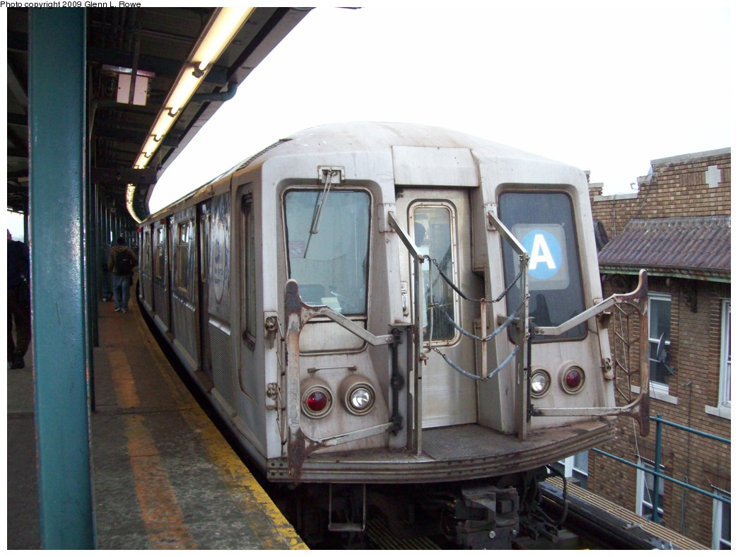 (200k, 1044x788)<br><b>Country:</b> United States<br><b>City:</b> New York<br><b>System:</b> New York City Transit<br><b>Line:</b> IND Fulton Street Line<br><b>Location:</b> Lefferts Boulevard <br><b>Route:</b> A<br><b>Car:</b> R-40 (St. Louis, 1968)  4437 <br><b>Photo by:</b> Glenn L. Rowe<br><b>Date:</b> 3/20/2009<br><b>Viewed (this week/total):</b> 2 / 447