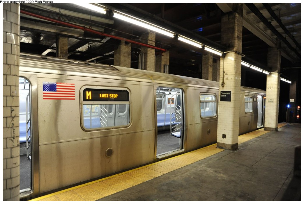 (214k, 1044x702)<br><b>Country:</b> United States<br><b>City:</b> New York<br><b>System:</b> New York City Transit<br><b>Line:</b> BMT Nassau Street/Jamaica Line<br><b>Location:</b> Chambers Street <br><b>Route:</b> M<br><b>Car:</b> R-160A-1 (Alstom, 2005-2008, 4 car sets)  8636 <br><b>Photo by:</b> Richard Panse<br><b>Date:</b> 3/17/2009<br><b>Viewed (this week/total):</b> 5 / 2053