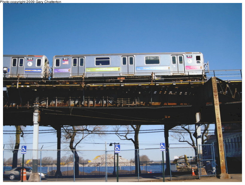 (140k, 820x620)<br><b>Country:</b> United States<br><b>City:</b> New York<br><b>System:</b> New York City Transit<br><b>Line:</b> IRT Flushing Line<br><b>Location:</b> Willets Point/Mets (fmr. Shea Stadium) <br><b>Route:</b> 7<br><b>Car:</b> R-62A (Bombardier, 1984-1987)  1913 <br><b>Photo by:</b> Gary Chatterton<br><b>Date:</b> 3/21/2009<br><b>Viewed (this week/total):</b> 0 / 1006