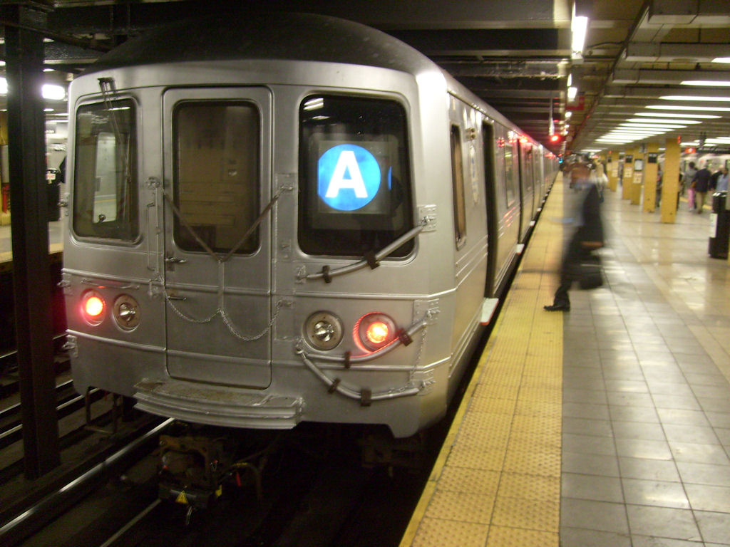 (161k, 1024x768)<br><b>Country:</b> United States<br><b>City:</b> New York<br><b>System:</b> New York City Transit<br><b>Line:</b> IND 8th Avenue Line<br><b>Location:</b> 14th Street <br><b>Route:</b> A<br><b>Car:</b> R-46 (Pullman-Standard, 1974-75) 6204 <br><b>Photo by:</b> Oswaldo C.<br><b>Date:</b> 3/18/2009<br><b>Viewed (this week/total):</b> 2 / 1726