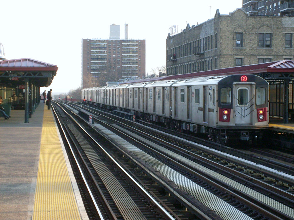 (194k, 1024x766)<br><b>Country:</b> United States<br><b>City:</b> New York<br><b>System:</b> New York City Transit<br><b>Line:</b> IRT White Plains Road Line<br><b>Location:</b> Allerton Avenue <br><b>Route:</b> 5<br><b>Car:</b> R-142 or R-142A (Number Unknown)  <br><b>Photo by:</b> Oswaldo C.<br><b>Date:</b> 3/18/2009<br><b>Viewed (this week/total):</b> 0 / 914