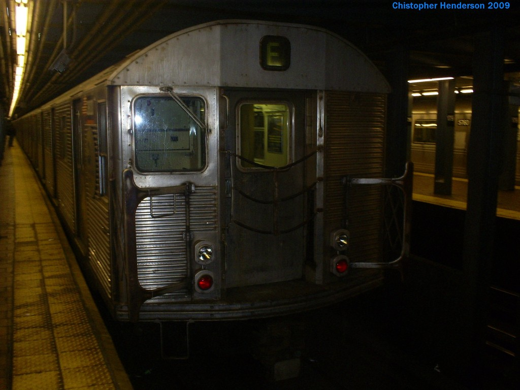 (142k, 1024x768)<br><b>Country:</b> United States<br><b>City:</b> New York<br><b>System:</b> New York City Transit<br><b>Line:</b> IND Queens Boulevard Line<br><b>Location:</b> 179th Street <br><b>Route:</b> E<br><b>Car:</b> R-32 (Budd, 1964)  3820 <br><b>Photo by:</b> Christopher Henderson<br><b>Date:</b> 3/22/2009<br><b>Viewed (this week/total):</b> 1 / 1402