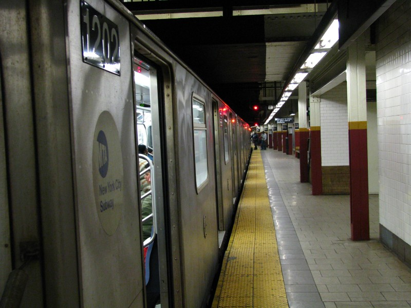 (118k, 800x600)<br><b>Country:</b> United States<br><b>City:</b> New York<br><b>System:</b> New York City Transit<br><b>Line:</b> IRT East Side Line<br><b>Location:</b> Brooklyn Bridge/City Hall <br><b>Route:</b> 4<br><b>Car:</b> R-142 (Option Order, Bombardier, 2002-2003)  1202 <br><b>Photo by:</b> Bill E.<br><b>Date:</b> 3/14/2009<br><b>Viewed (this week/total):</b> 3 / 1151