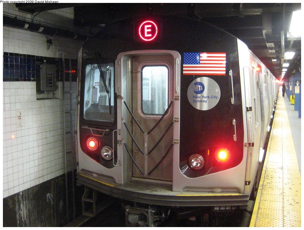 (208k, 1044x788)<br><b>Country:</b> United States<br><b>City:</b> New York<br><b>System:</b> New York City Transit<br><b>Line:</b> IND 8th Avenue Line<br><b>Location:</b> Chambers Street/World Trade Center <br><b>Route:</b> E<br><b>Car:</b> R-160A (Option 1) (Alstom, 2008-2009, 5 car sets)  9298 <br><b>Photo by:</b> David M. <br><b>Date:</b> 2/19/2009<br><b>Viewed (this week/total):</b> 2 / 1287
