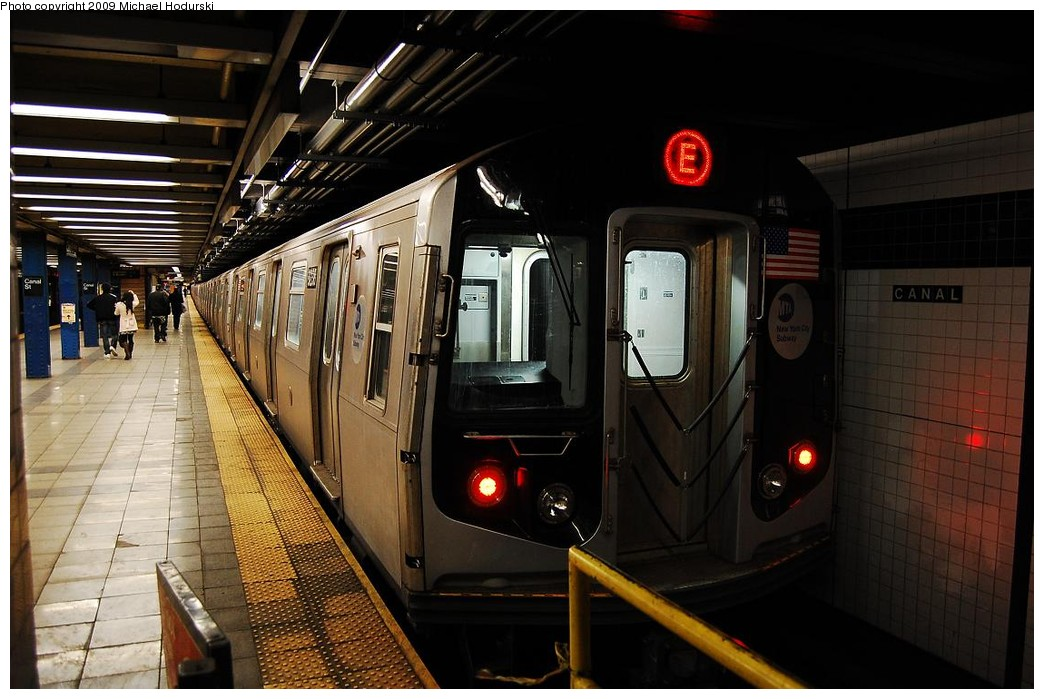 (216k, 1044x699)<br><b>Country:</b> United States<br><b>City:</b> New York<br><b>System:</b> New York City Transit<br><b>Line:</b> IND 8th Avenue Line<br><b>Location:</b> Canal Street-Holland Tunnel <br><b>Route:</b> E<br><b>Car:</b> R-160A (Option 1) (Alstom, 2008-2009, 5 car sets)  9238 <br><b>Photo by:</b> Michael Hodurski<br><b>Date:</b> 3/22/2008<br><b>Viewed (this week/total):</b> 0 / 1237