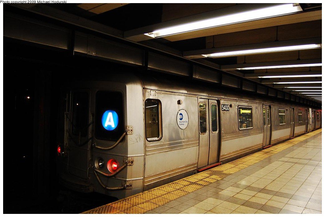 (201k, 1044x699)<br><b>Country:</b> United States<br><b>City:</b> New York<br><b>System:</b> New York City Transit<br><b>Line:</b> IND 8th Avenue Line<br><b>Location:</b> Canal Street-Holland Tunnel <br><b>Route:</b> A<br><b>Car:</b> R-44 (St. Louis, 1971-73) 5400 <br><b>Photo by:</b> Michael Hodurski<br><b>Date:</b> 3/22/2008<br><b>Viewed (this week/total):</b> 2 / 439