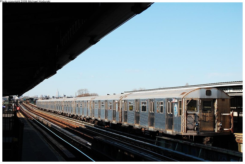 (192k, 1044x699)<br><b>Country:</b> United States<br><b>City:</b> New York<br><b>System:</b> New York City Transit<br><b>Line:</b> BMT Culver Line<br><b>Location:</b> Bay Parkway (22nd Avenue) <br><b>Route:</b> F<br><b>Car:</b> R-32 (Budd, 1964)  3705 <br><b>Photo by:</b> Michael Hodurski<br><b>Date:</b> 3/22/2008<br><b>Viewed (this week/total):</b> 0 / 581