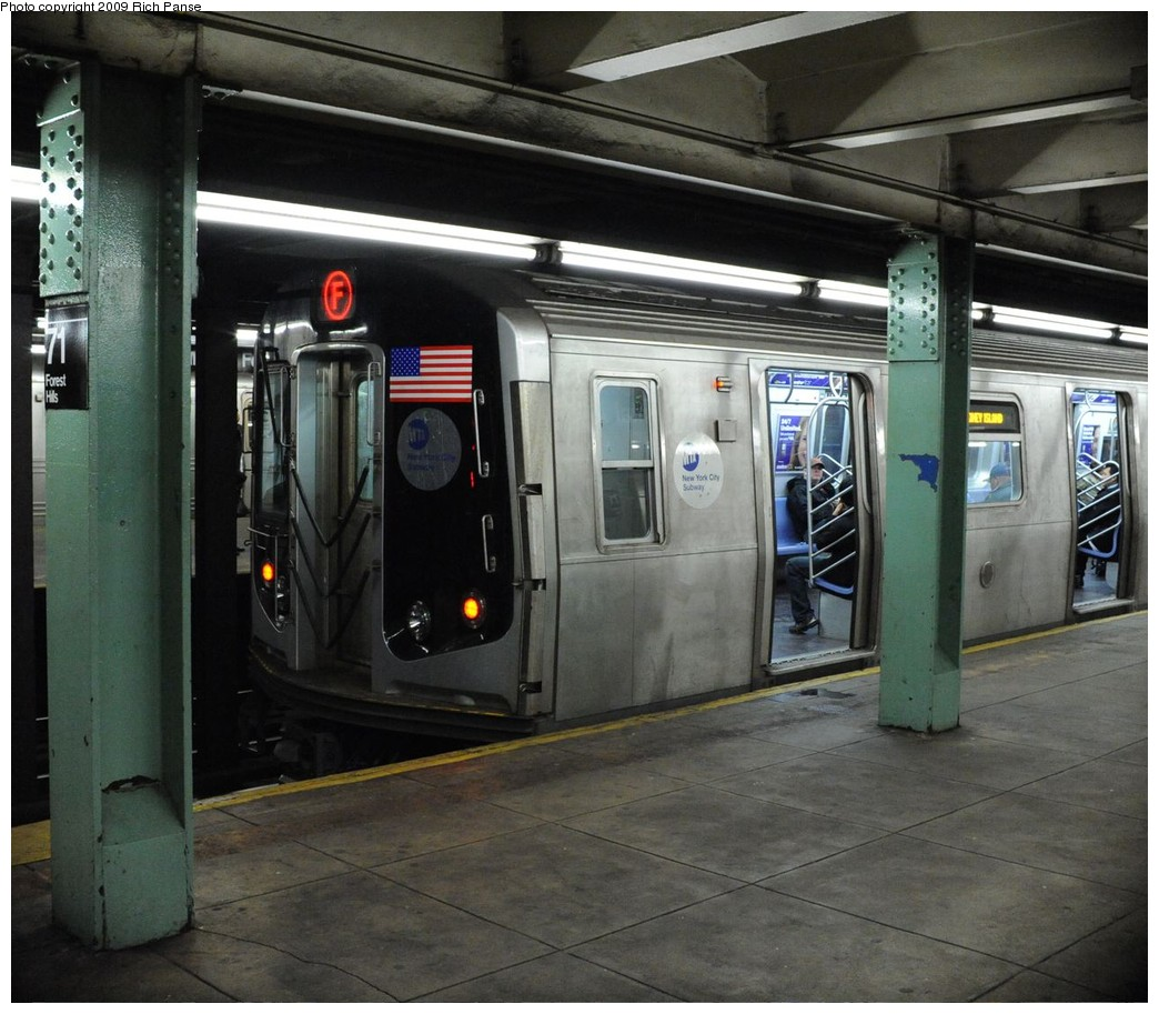 (224k, 1044x913)<br><b>Country:</b> United States<br><b>City:</b> New York<br><b>System:</b> New York City Transit<br><b>Line:</b> IND Queens Boulevard Line<br><b>Location:</b> 71st/Continental Aves./Forest Hills <br><b>Route:</b> F<br><b>Car:</b> R-160A (Option 1) (Alstom, 2008-2009, 5 car sets)  9247 <br><b>Photo by:</b> Richard Panse<br><b>Date:</b> 3/25/2009<br><b>Viewed (this week/total):</b> 0 / 1639