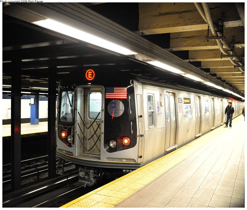 (236k, 1044x885)<br><b>Country:</b> United States<br><b>City:</b> New York<br><b>System:</b> New York City Transit<br><b>Line:</b> IND Queens Boulevard Line<br><b>Location:</b> Roosevelt Avenue <br><b>Route:</b> E<br><b>Car:</b> R-160A (Option 1) (Alstom, 2008-2009, 5 car sets)  9337 <br><b>Photo by:</b> Richard Panse<br><b>Date:</b> 3/25/2009<br><b>Viewed (this week/total):</b> 1 / 1840