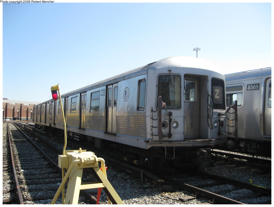 (186k, 1044x788)<br><b>Country:</b> United States<br><b>City:</b> New York<br><b>System:</b> New York City Transit<br><b>Location:</b> East New York Yard/Shops<br><b>Car:</b> R-42 (St. Louis, 1969-1970)  4822 <br><b>Photo by:</b> Robert Mencher<br><b>Date:</b> 3/23/2009<br><b>Viewed (this week/total):</b> 0 / 291