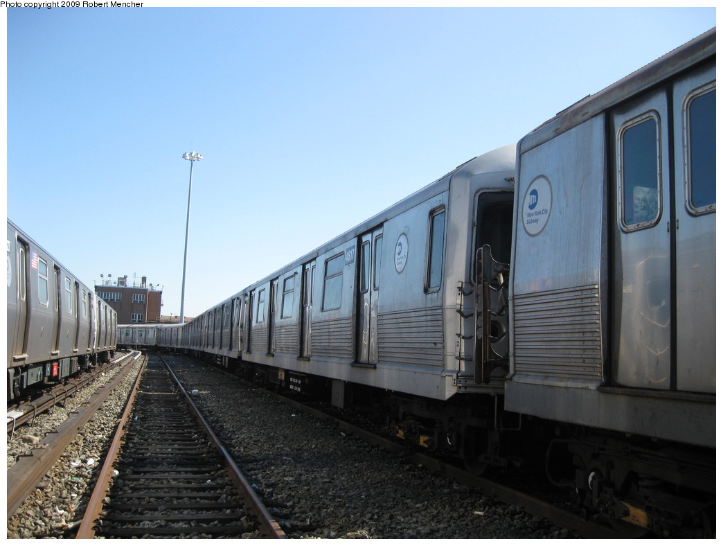 (185k, 1044x788)<br><b>Country:</b> United States<br><b>City:</b> New York<br><b>System:</b> New York City Transit<br><b>Location:</b> East New York Yard/Shops<br><b>Car:</b> R-42 (St. Louis, 1969-1970)  4817 <br><b>Photo by:</b> Robert Mencher<br><b>Date:</b> 3/23/2009<br><b>Viewed (this week/total):</b> 1 / 589