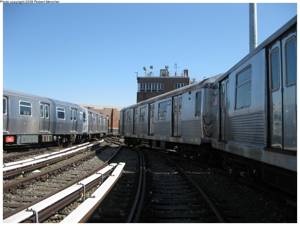 (199k, 1044x788)<br><b>Country:</b> United States<br><b>City:</b> New York<br><b>System:</b> New York City Transit<br><b>Location:</b> East New York Yard/Shops<br><b>Car:</b> R-42 (St. Louis, 1969-1970)  4826 <br><b>Photo by:</b> Robert Mencher<br><b>Date:</b> 3/23/2009<br><b>Viewed (this week/total):</b> 1 / 594