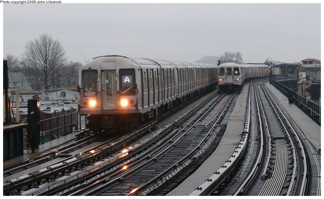 (258k, 1044x642)<br><b>Country:</b> United States<br><b>City:</b> New York<br><b>System:</b> New York City Transit<br><b>Line:</b> IND Fulton Street Line<br><b>Location:</b> 104th Street/Oxford Ave. <br><b>Route:</b> A<br><b>Car:</b> R-40 (St. Louis, 1968)  4294 <br><b>Photo by:</b> John Urbanski<br><b>Date:</b> 3/26/2009<br><b>Viewed (this week/total):</b> 0 / 1223