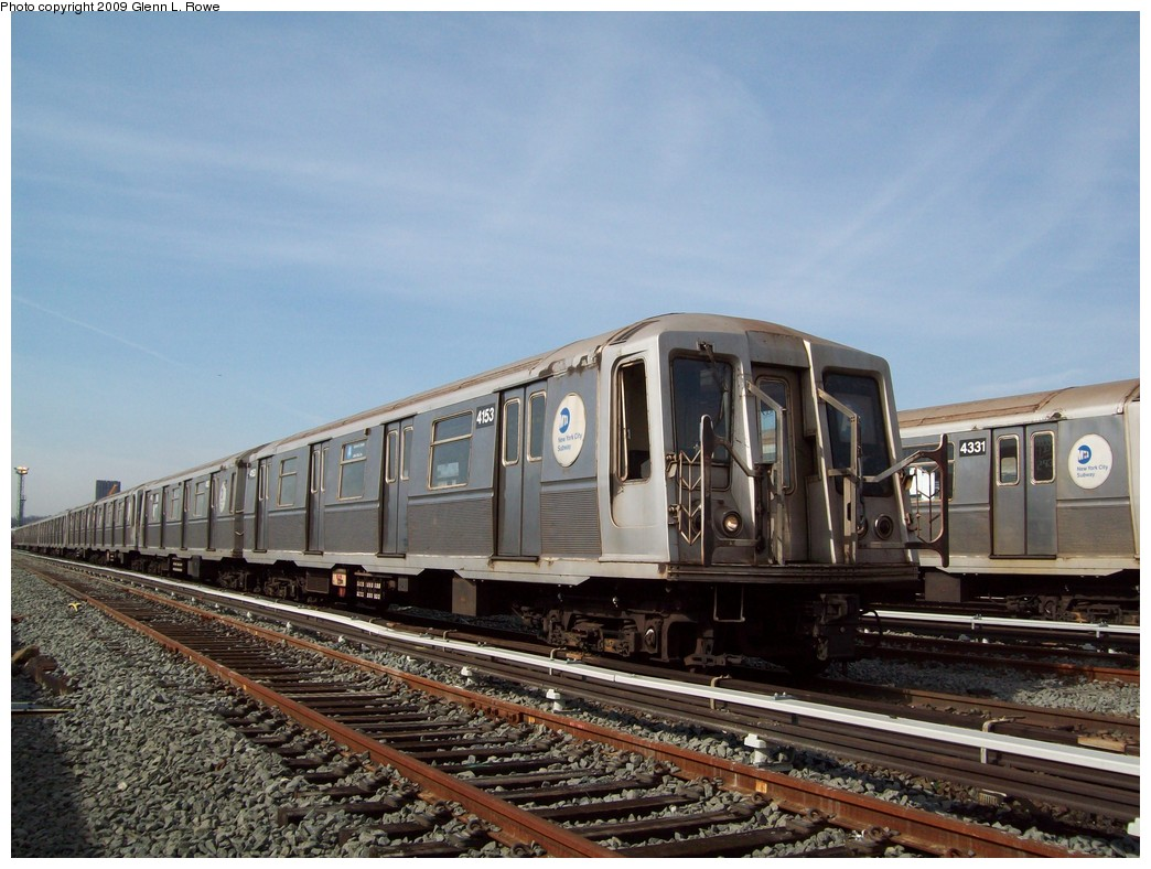 (220k, 1044x788)<br><b>Country:</b> United States<br><b>City:</b> New York<br><b>System:</b> New York City Transit<br><b>Location:</b> 207th Street Yard<br><b>Car:</b> R-40 (St. Louis, 1968)  4153 <br><b>Photo by:</b> Glenn L. Rowe<br><b>Date:</b> 3/27/2009<br><b>Viewed (this week/total):</b> 1 / 494