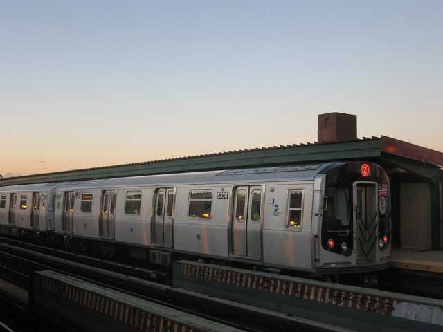 (49k, 640x480)<br><b>Country:</b> United States<br><b>City:</b> New York<br><b>System:</b> New York City Transit<br><b>Line:</b> BMT Nassau Street/Jamaica Line<br><b>Location:</b> Chauncey Street <br><b>Route:</b> Z<br><b>Car:</b> R-160A-1 (Alstom, 2005-2008, 4 car sets)  8338 <br><b>Photo by:</b> Oren H.<br><b>Date:</b> 12/17/2007<br><b>Viewed (this week/total):</b> 1 / 642