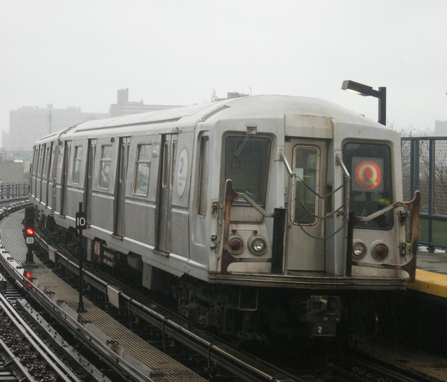 (76k, 640x547)<br><b>Country:</b> United States<br><b>City:</b> New York<br><b>System:</b> New York City Transit<br><b>Line:</b> BMT Brighton Line<br><b>Location:</b> West 8th Street <br><b>Route:</b> B<br><b>Car:</b> R-40 (St. Louis, 1968)  4448 <br><b>Photo by:</b> Oren H.<br><b>Date:</b> 12/16/2007<br><b>Viewed (this week/total):</b> 0 / 744