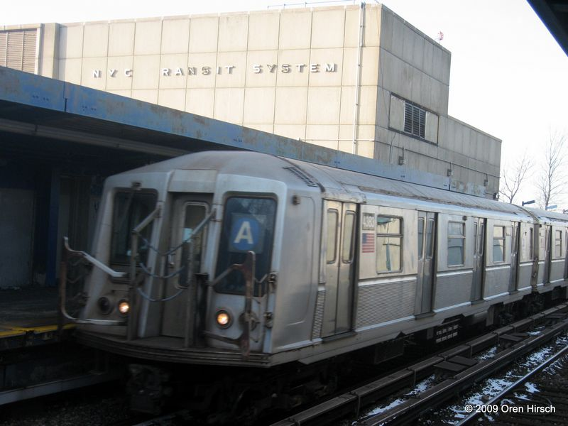(68k, 800x600)<br><b>Country:</b> United States<br><b>City:</b> New York<br><b>System:</b> New York City Transit<br><b>Line:</b> IND Rockaway<br><b>Location:</b> Broad Channel <br><b>Route:</b> A<br><b>Car:</b> R-40 (St. Louis, 1968)  4383 <br><b>Photo by:</b> Oren H.<br><b>Date:</b> 1/16/2009<br><b>Viewed (this week/total):</b> 4 / 713