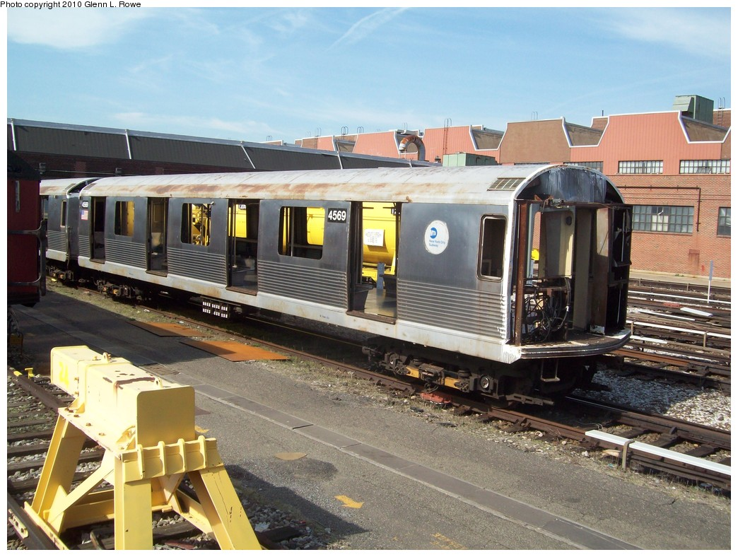 (249k, 1044x788)<br><b>Country:</b> United States<br><b>City:</b> New York<br><b>System:</b> New York City Transit<br><b>Location:</b> 207th Street Yard<br><b>Car:</b> R-42 (St. Louis, 1969-1970)  4569 <br><b>Photo by:</b> Glenn L. Rowe<br><b>Date:</b> 4/7/2010<br><b>Viewed (this week/total):</b> 0 / 503