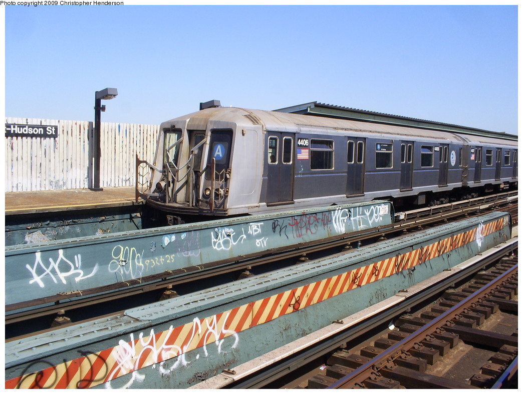 (297k, 1044x788)<br><b>Country:</b> United States<br><b>City:</b> New York<br><b>System:</b> New York City Transit<br><b>Line:</b> IND Fulton Street Line<br><b>Location:</b> 80th Street/Hudson Street <br><b>Route:</b> A<br><b>Car:</b> R-40 (St. Louis, 1968)  4406 <br><b>Photo by:</b> Christopher Henderson<br><b>Date:</b> 3/30/2009<br><b>Viewed (this week/total):</b> 1 / 771
