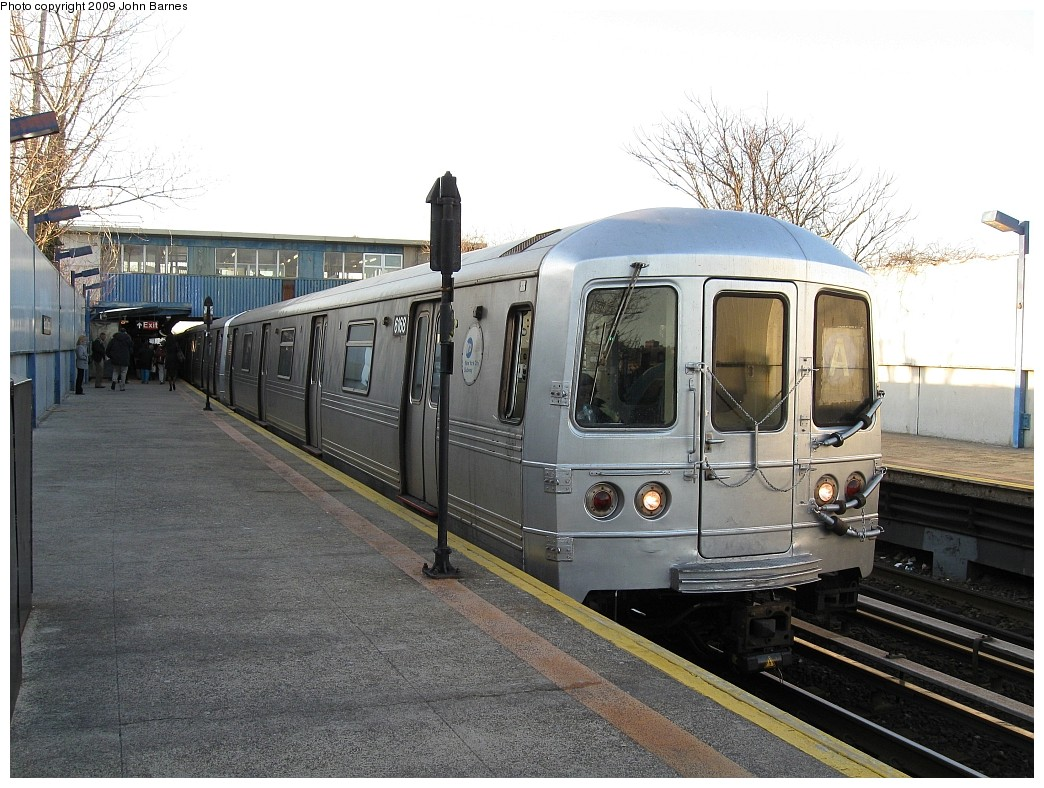 (242k, 1044x788)<br><b>Country:</b> United States<br><b>City:</b> New York<br><b>System:</b> New York City Transit<br><b>Line:</b> IND Rockaway<br><b>Location:</b> Broad Channel <br><b>Route:</b> A<br><b>Car:</b> R-46 (Pullman-Standard, 1974-75) 6168 <br><b>Photo by:</b> John Barnes<br><b>Date:</b> 3/31/2009<br><b>Viewed (this week/total):</b> 8 / 952