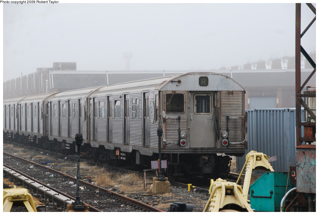 (235k, 1044x705)<br><b>Country:</b> United States<br><b>City:</b> New York<br><b>System:</b> New York City Transit<br><b>Location:</b> 207th Street Yard<br><b>Car:</b> R-32 (Budd, 1964)  3455 <br><b>Photo by:</b> Robert Taylor<br><b>Date:</b> 3/29/2009<br><b>Viewed (this week/total):</b> 0 / 738
