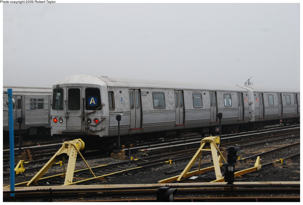 (215k, 1044x705)<br><b>Country:</b> United States<br><b>City:</b> New York<br><b>System:</b> New York City Transit<br><b>Location:</b> 207th Street Yard<br><b>Car:</b> R-44 (St. Louis, 1971-73) 5310 <br><b>Photo by:</b> Robert Taylor<br><b>Date:</b> 3/29/2009<br><b>Viewed (this week/total):</b> 1 / 526