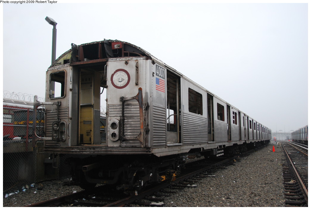 (221k, 1044x705)<br><b>Country:</b> United States<br><b>City:</b> New York<br><b>System:</b> New York City Transit<br><b>Location:</b> 207th Street Yard<br><b>Car:</b> R-38 (St. Louis, 1966-1967)  4007 <br><b>Photo by:</b> Robert Taylor<br><b>Date:</b> 3/29/2009<br><b>Notes:</b> Scrap<br><b>Viewed (this week/total):</b> 0 / 656