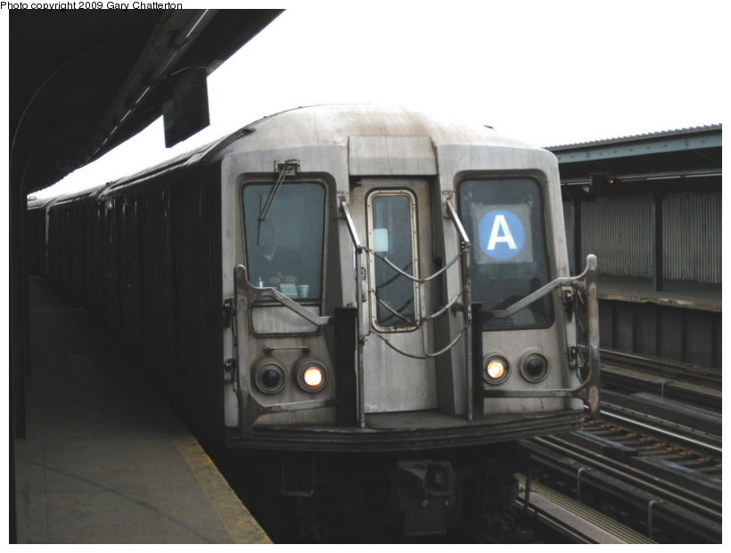 (86k, 820x620)<br><b>Country:</b> United States<br><b>City:</b> New York<br><b>System:</b> New York City Transit<br><b>Line:</b> IND Fulton Street Line<br><b>Location:</b> Rockaway Boulevard <br><b>Route:</b> A<br><b>Car:</b> R-40 (St. Louis, 1968)  4356 <br><b>Photo by:</b> Gary Chatterton<br><b>Date:</b> 4/1/2009<br><b>Viewed (this week/total):</b> 1 / 437
