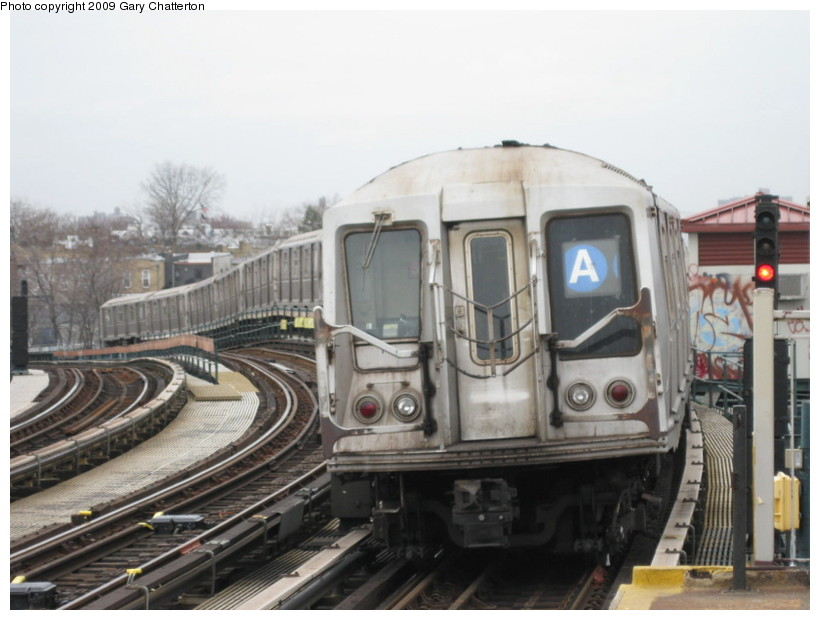 (117k, 820x620)<br><b>Country:</b> United States<br><b>City:</b> New York<br><b>System:</b> New York City Transit<br><b>Line:</b> IND Fulton Street Line<br><b>Location:</b> 80th Street/Hudson Street <br><b>Route:</b> A<br><b>Car:</b> R-40 (St. Louis, 1968)  4272 <br><b>Photo by:</b> Gary Chatterton<br><b>Date:</b> 4/1/2009<br><b>Viewed (this week/total):</b> 3 / 496
