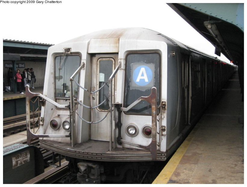 (117k, 820x620)<br><b>Country:</b> United States<br><b>City:</b> New York<br><b>System:</b> New York City Transit<br><b>Line:</b> IND Fulton Street Line<br><b>Location:</b> Rockaway Boulevard <br><b>Route:</b> A<br><b>Car:</b> R-40 (St. Louis, 1968)  4320 <br><b>Photo by:</b> Gary Chatterton<br><b>Date:</b> 4/1/2009<br><b>Viewed (this week/total):</b> 1 / 439