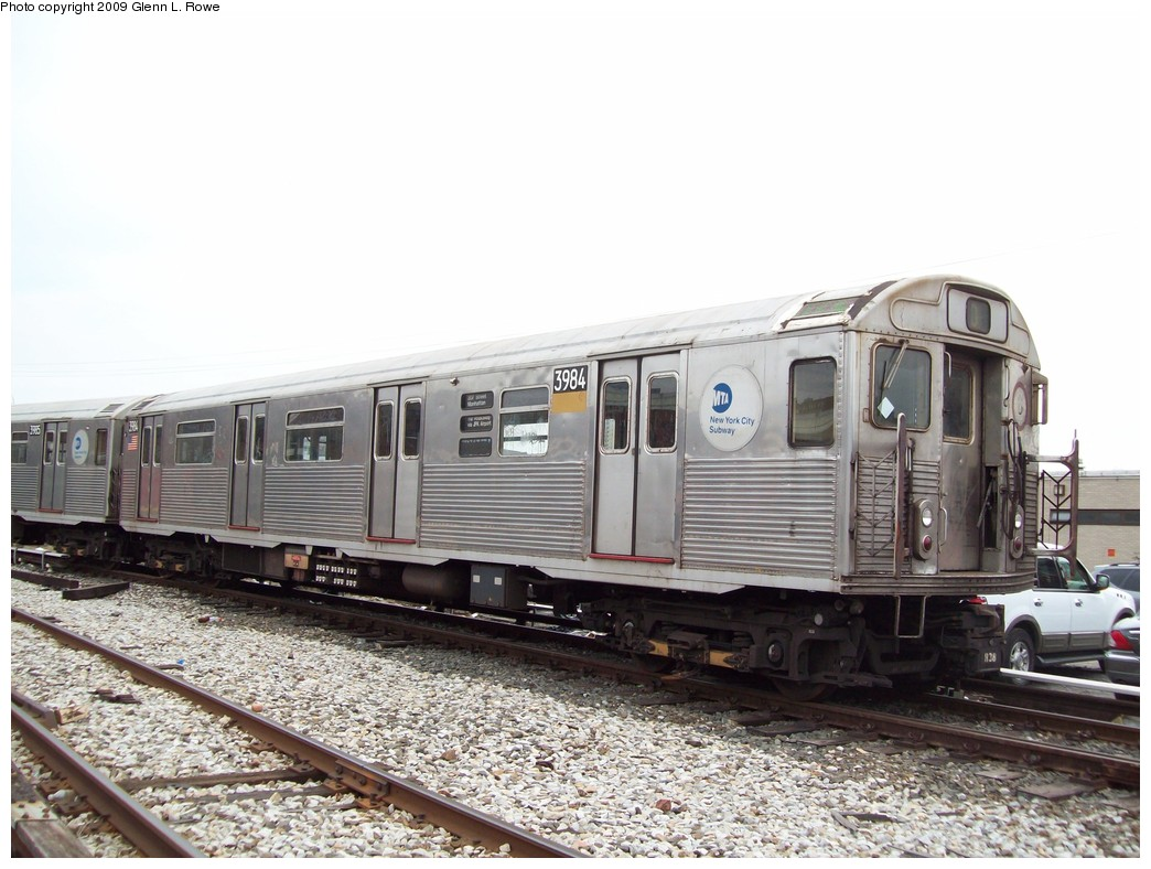 (210k, 1044x788)<br><b>Country:</b> United States<br><b>City:</b> New York<br><b>System:</b> New York City Transit<br><b>Location:</b> 207th Street Yard<br><b>Car:</b> R-38 (St. Louis, 1966-1967)  3984 <br><b>Photo by:</b> Glenn L. Rowe<br><b>Date:</b> 4/1/2009<br><b>Viewed (this week/total):</b> 0 / 538