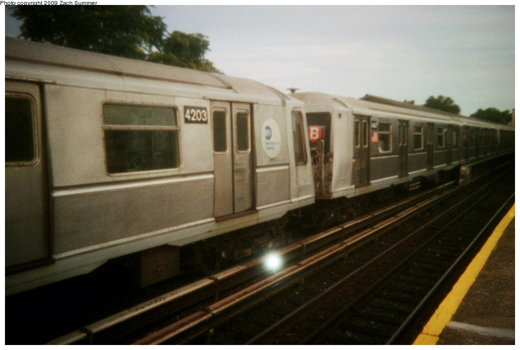 (178k, 1044x703)<br><b>Country:</b> United States<br><b>City:</b> New York<br><b>System:</b> New York City Transit<br><b>Line:</b> BMT Brighton Line<br><b>Location:</b> Kings Highway <br><b>Route:</b> B<br><b>Car:</b> R-40 (St. Louis, 1968)  4203 <br><b>Photo by:</b> Zach Summer<br><b>Date:</b> 8/2005<br><b>Viewed (this week/total):</b> 2 / 799