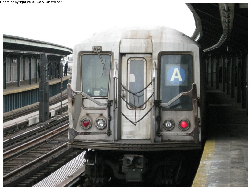 (122k, 820x620)<br><b>Country:</b> United States<br><b>City:</b> New York<br><b>System:</b> New York City Transit<br><b>Line:</b> IND Fulton Street Line<br><b>Location:</b> 104th Street/Oxford Ave. <br><b>Route:</b> A<br><b>Car:</b> R-40 (St. Louis, 1968)  4248 <br><b>Photo by:</b> Gary Chatterton<br><b>Date:</b> 4/1/2009<br><b>Viewed (this week/total):</b> 2 / 523