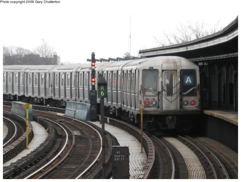 (126k, 820x620)<br><b>Country:</b> United States<br><b>City:</b> New York<br><b>System:</b> New York City Transit<br><b>Line:</b> IND Fulton Street Line<br><b>Location:</b> 104th Street/Oxford Ave. <br><b>Route:</b> A<br><b>Car:</b> R-40 (St. Louis, 1968)  4248 <br><b>Photo by:</b> Gary Chatterton<br><b>Date:</b> 4/1/2009<br><b>Viewed (this week/total):</b> 0 / 972