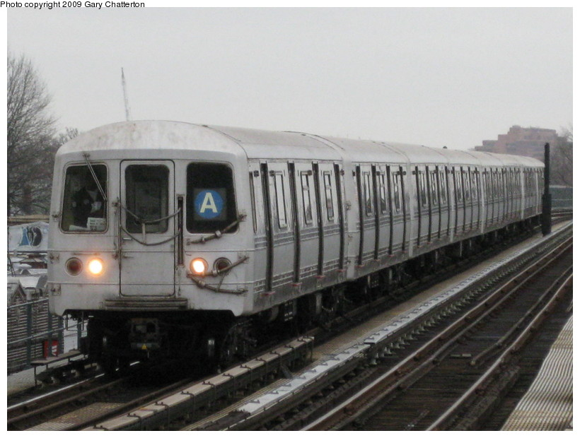 (125k, 820x620)<br><b>Country:</b> United States<br><b>City:</b> New York<br><b>System:</b> New York City Transit<br><b>Line:</b> IND Fulton Street Line<br><b>Location:</b> 104th Street/Oxford Ave. <br><b>Route:</b> A<br><b>Car:</b> R-44 (St. Louis, 1971-73) 5318 <br><b>Photo by:</b> Gary Chatterton<br><b>Date:</b> 4/1/2009<br><b>Viewed (this week/total):</b> 2 / 982