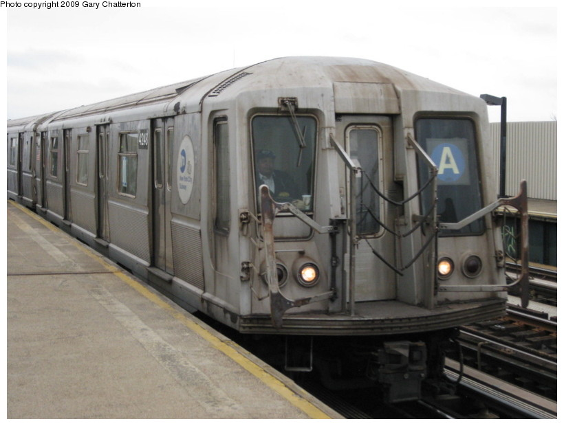 (107k, 820x620)<br><b>Country:</b> United States<br><b>City:</b> New York<br><b>System:</b> New York City Transit<br><b>Line:</b> IND Fulton Street Line<br><b>Location:</b> 104th Street/Oxford Ave. <br><b>Route:</b> A<br><b>Car:</b> R-40 (St. Louis, 1968)  4248 <br><b>Photo by:</b> Gary Chatterton<br><b>Date:</b> 4/1/2009<br><b>Viewed (this week/total):</b> 0 / 543