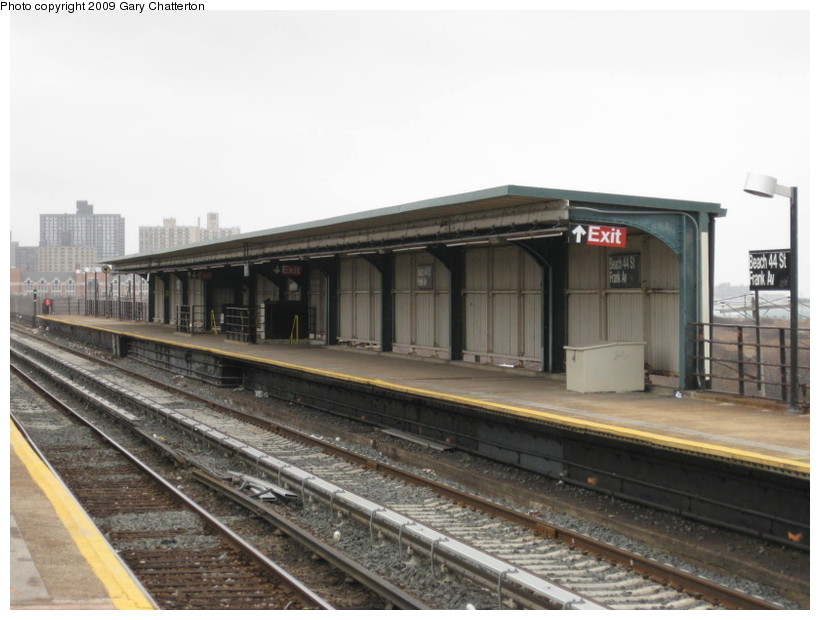 (115k, 820x620)<br><b>Country:</b> United States<br><b>City:</b> New York<br><b>System:</b> New York City Transit<br><b>Line:</b> IND Rockaway<br><b>Location:</b> Beach 44th Street/Frank Avenue <br><b>Photo by:</b> Gary Chatterton<br><b>Date:</b> 4/1/2009<br><b>Viewed (this week/total):</b> 0 / 346