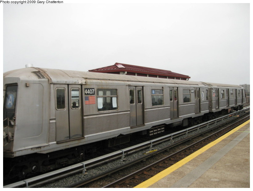 (101k, 820x620)<br><b>Country:</b> United States<br><b>City:</b> New York<br><b>System:</b> New York City Transit<br><b>Line:</b> IND Rockaway<br><b>Location:</b> Beach 44th Street/Frank Avenue <br><b>Route:</b> A<br><b>Car:</b> R-40 (St. Louis, 1968)  4407 <br><b>Photo by:</b> Gary Chatterton<br><b>Date:</b> 4/1/2009<br><b>Viewed (this week/total):</b> 0 / 312