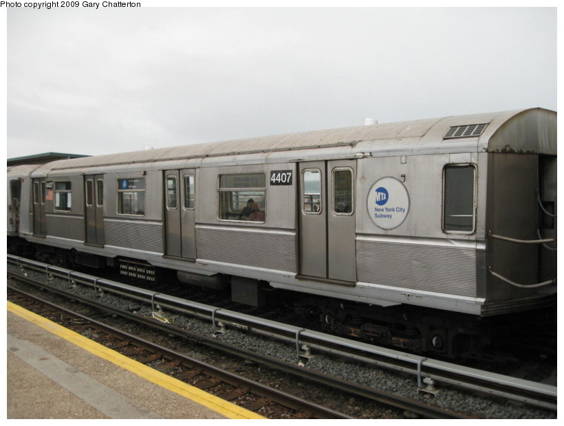 (108k, 820x620)<br><b>Country:</b> United States<br><b>City:</b> New York<br><b>System:</b> New York City Transit<br><b>Line:</b> IND Rockaway<br><b>Location:</b> Beach 44th Street/Frank Avenue <br><b>Route:</b> A<br><b>Car:</b> R-40 (St. Louis, 1968)  4407 <br><b>Photo by:</b> Gary Chatterton<br><b>Date:</b> 4/1/2009<br><b>Viewed (this week/total):</b> 5 / 464