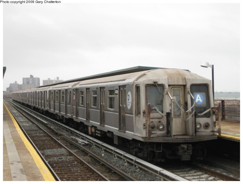 (100k, 820x620)<br><b>Country:</b> United States<br><b>City:</b> New York<br><b>System:</b> New York City Transit<br><b>Line:</b> IND Rockaway<br><b>Location:</b> Beach 44th Street/Frank Avenue <br><b>Route:</b> A<br><b>Car:</b> R-40 (St. Louis, 1968)  4406 <br><b>Photo by:</b> Gary Chatterton<br><b>Date:</b> 4/1/2009<br><b>Viewed (this week/total):</b> 0 / 427