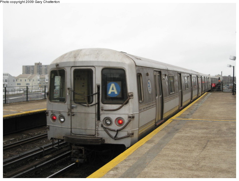 (102k, 820x620)<br><b>Country:</b> United States<br><b>City:</b> New York<br><b>System:</b> New York City Transit<br><b>Line:</b> IND Rockaway<br><b>Location:</b> Beach 67th Street/Gaston Avenue <br><b>Route:</b> A<br><b>Car:</b> R-44 (St. Louis, 1971-73) 5440 <br><b>Photo by:</b> Gary Chatterton<br><b>Date:</b> 4/1/2009<br><b>Viewed (this week/total):</b> 2 / 467