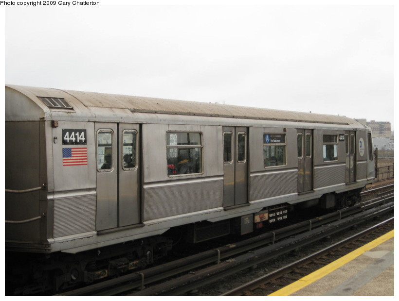 (93k, 820x620)<br><b>Country:</b> United States<br><b>City:</b> New York<br><b>System:</b> New York City Transit<br><b>Line:</b> IND Rockaway<br><b>Location:</b> Beach 67th Street/Gaston Avenue <br><b>Route:</b> A<br><b>Car:</b> R-40 (St. Louis, 1968)  4414 <br><b>Photo by:</b> Gary Chatterton<br><b>Date:</b> 4/1/2009<br><b>Viewed (this week/total):</b> 2 / 446