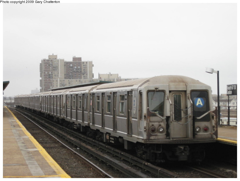 (91k, 820x620)<br><b>Country:</b> United States<br><b>City:</b> New York<br><b>System:</b> New York City Transit<br><b>Line:</b> IND Rockaway<br><b>Location:</b> Beach 67th Street/Gaston Avenue <br><b>Route:</b> A<br><b>Car:</b> R-40 (St. Louis, 1968)  4414 <br><b>Photo by:</b> Gary Chatterton<br><b>Date:</b> 4/1/2009<br><b>Viewed (this week/total):</b> 0 / 406
